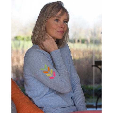 The Arrow Intarsia Pure Cashmere Vee Neck - Kitted in Cashmere