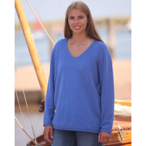NEW The Cashmere Sweatshirt Vee - Kitted in Cashmere