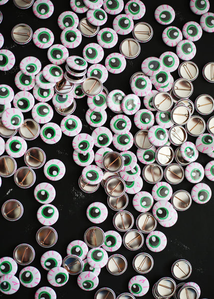 eyeball button set