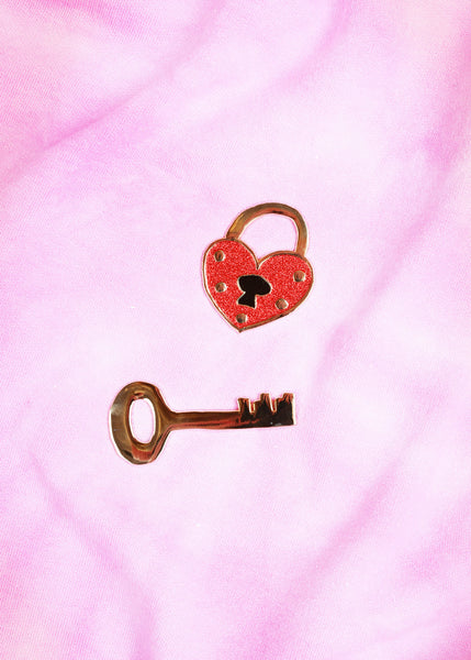 key to my heart brooch set