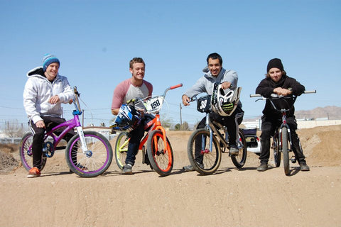 4 friends, 4 brands, 1 fun - BMX Racing