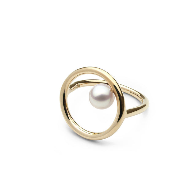 Ring with Akoya Pearl in 14k Yellow Gold