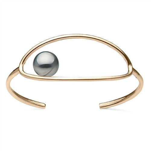 Oval Cuff Bracelet with Tahitian Pearl in Yellow Gold Plate