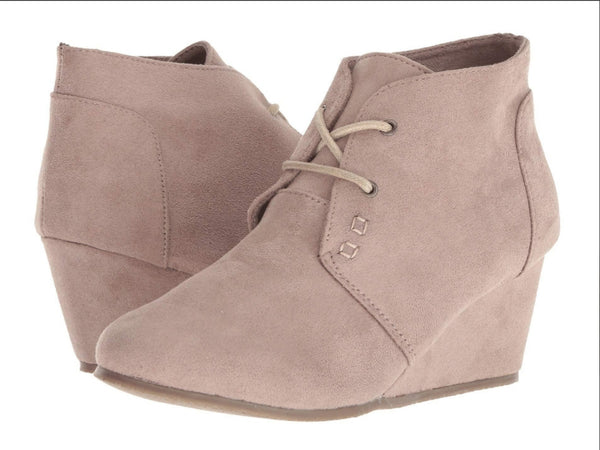 Light Taupe Tim Wedge