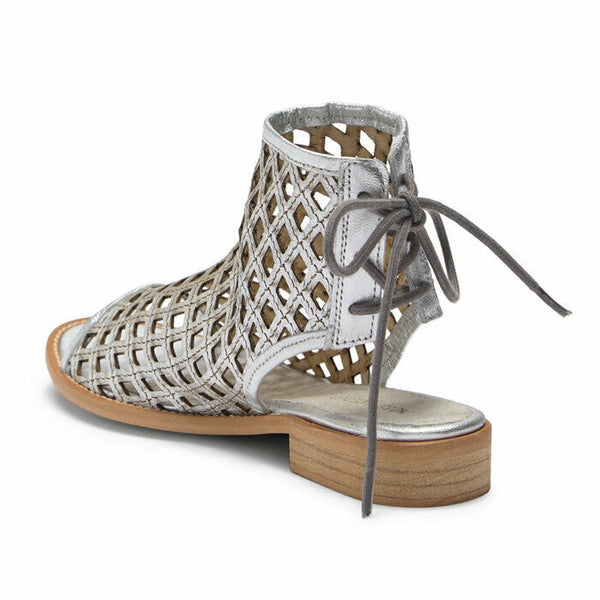 Musse & Cloud Aimy Distressed Silver Leather Boho Sandal Size 9