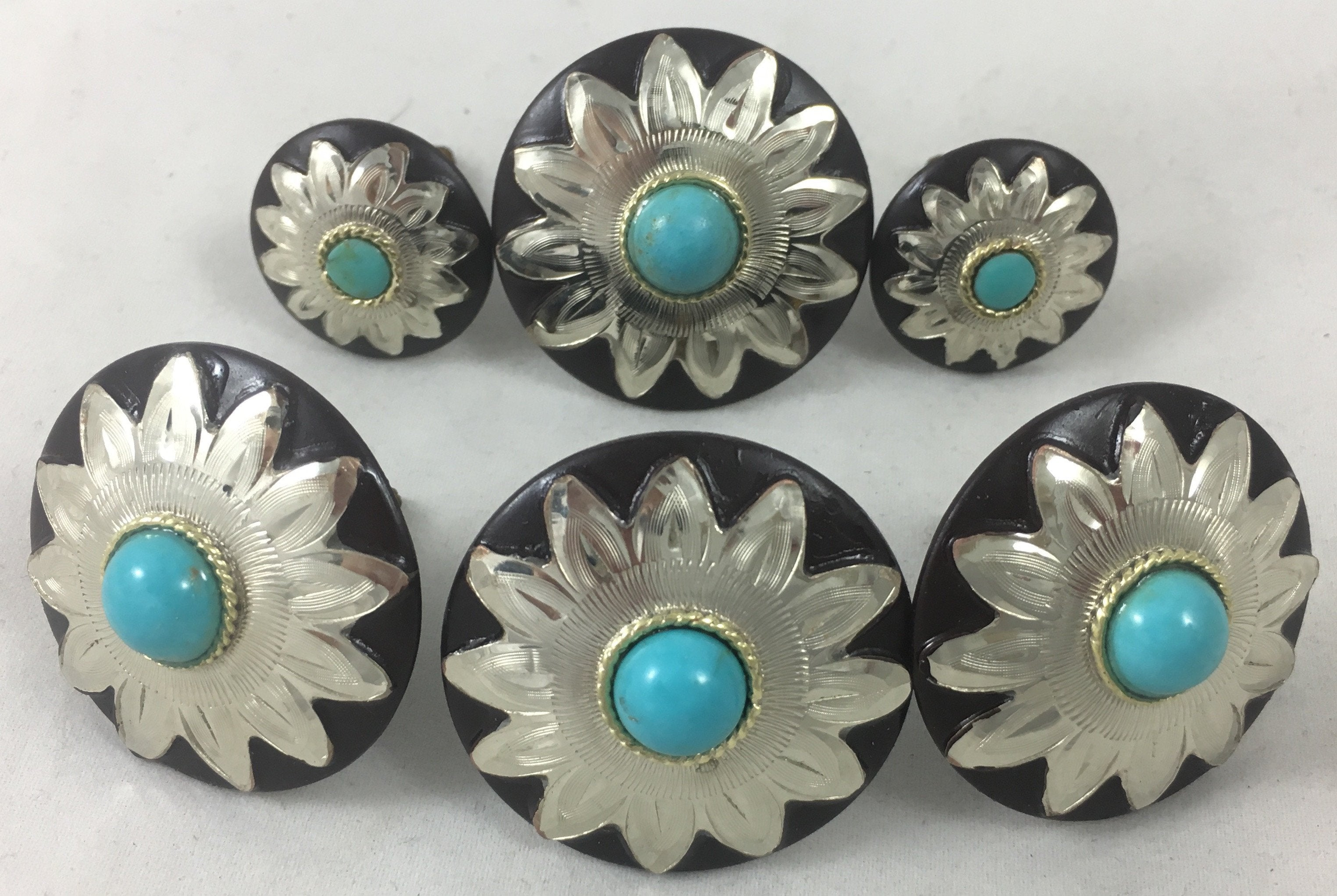 CBCONCH 109B Starburst With Turquoise Conchos