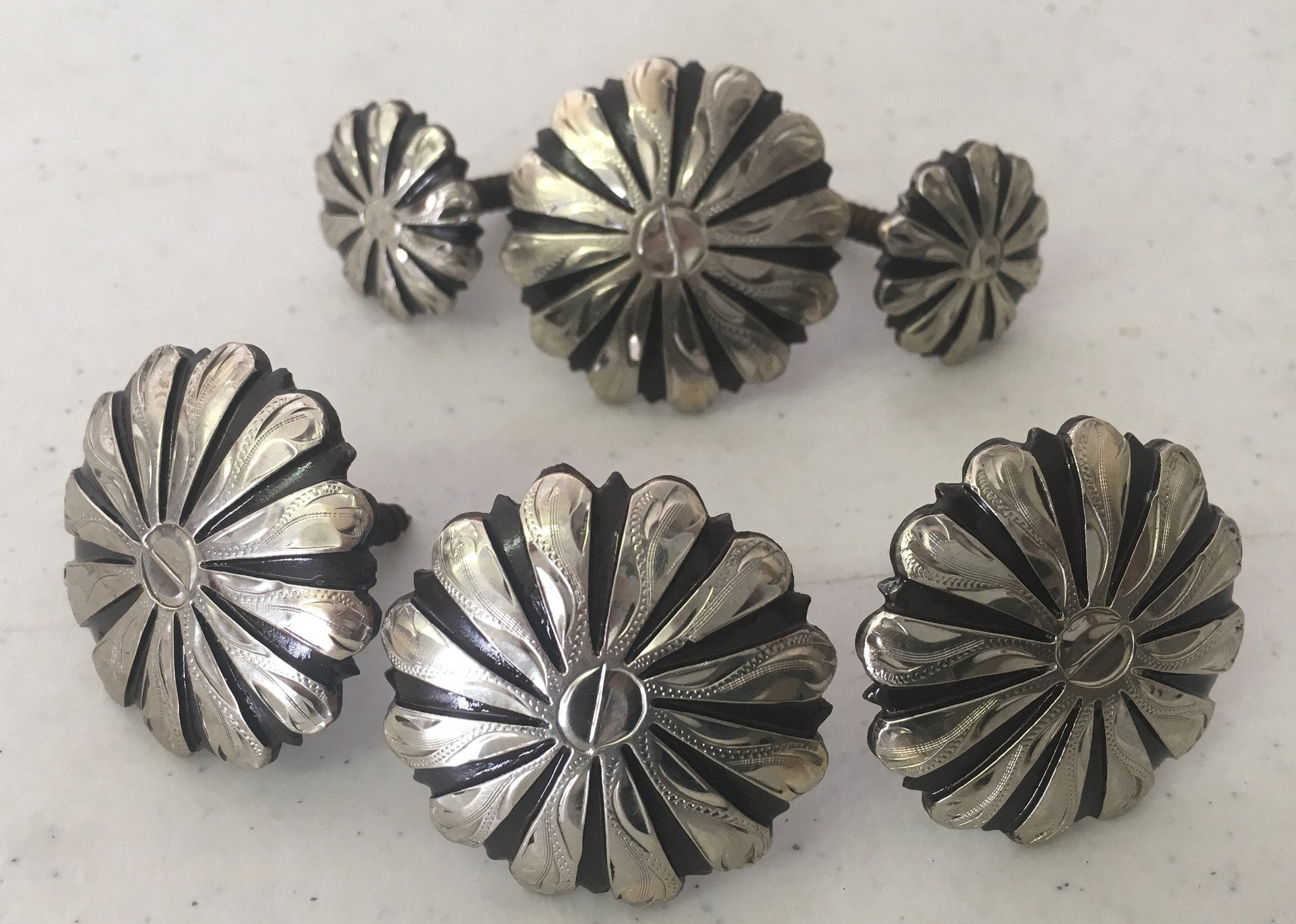 CBCONCH 116 Silver Striped Conchos