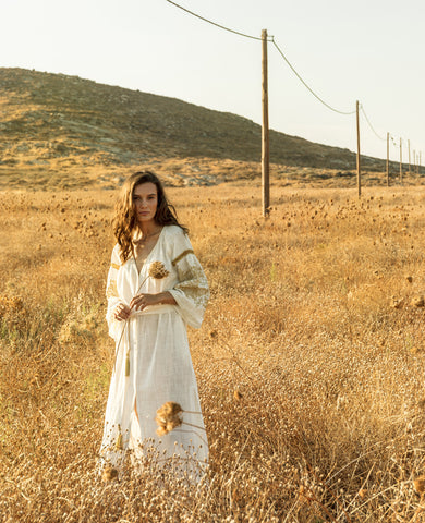 PENELOPE EMBROIDERED KAFTAN DRESS WHITE/GOLD