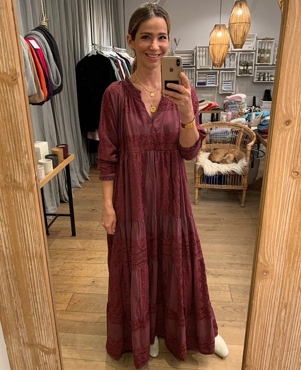 LONG EMBROIDERED DRESS TOTAL BORDEAUX