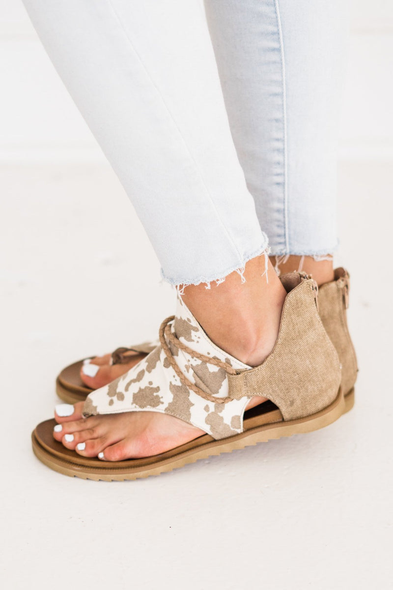 Very G Angelika Sandal in Tan Cow