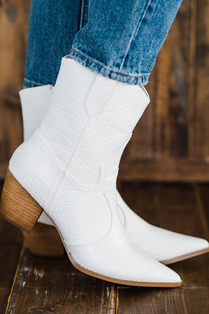Matisse Bambi Boot in White