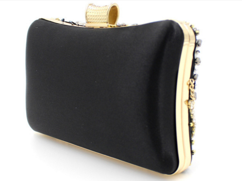 Clutch Bordada Handmade - Loja Must Have