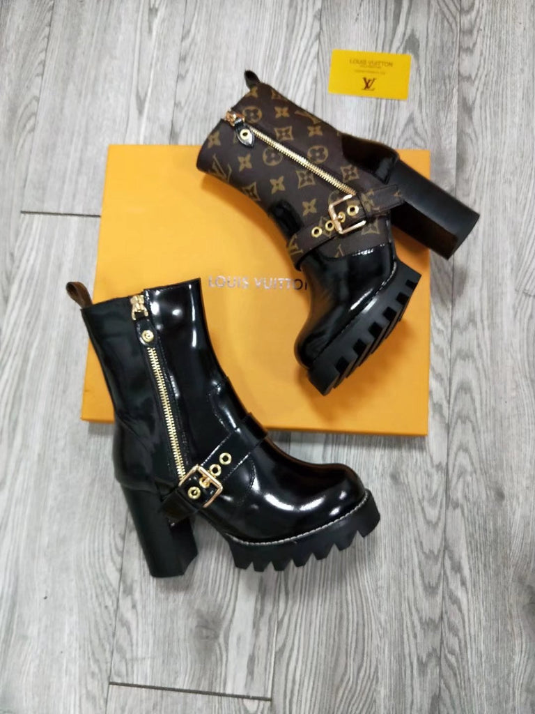 Bota Ankle Boot Star Trail Buckle Louis Vuitton - Loja Must Have