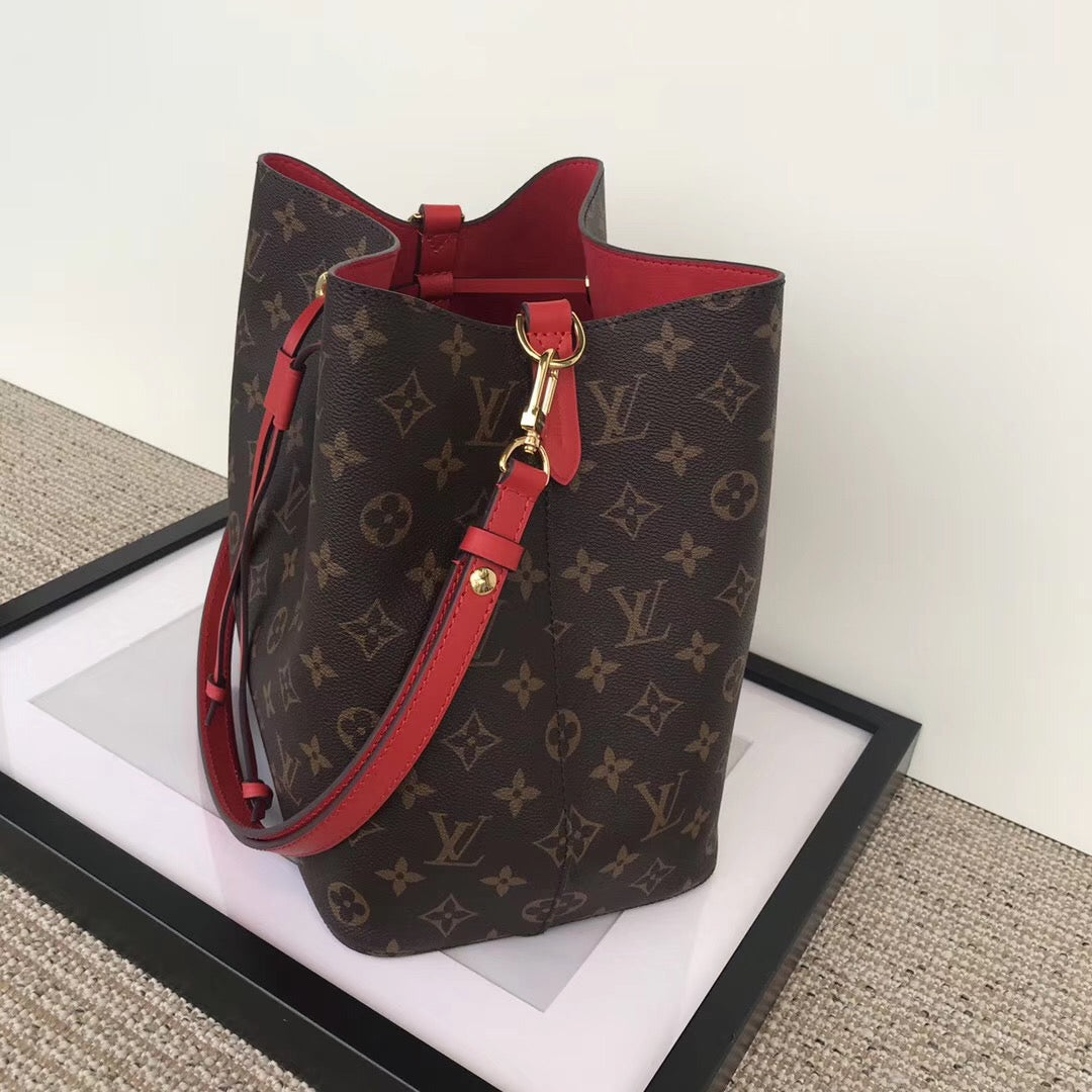 Bolsa Néonoé Monogram Louis Vuitton - Loja Must Have
