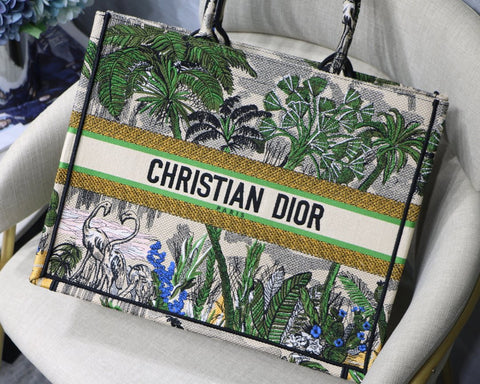 Bolsa Christian Dior Green Nature Book Tote Bordada
