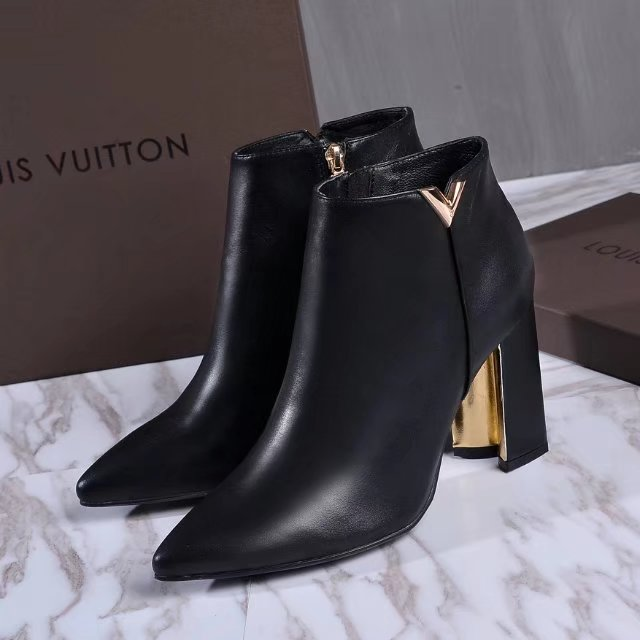 4a70d7228c4 Bota de cano curto Upper East Louis Vuitton – Loja Must Have