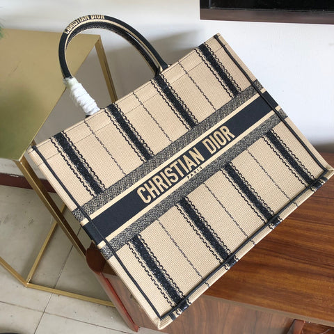 Bolsa Christian Dior Stripes Book Tote Bordada