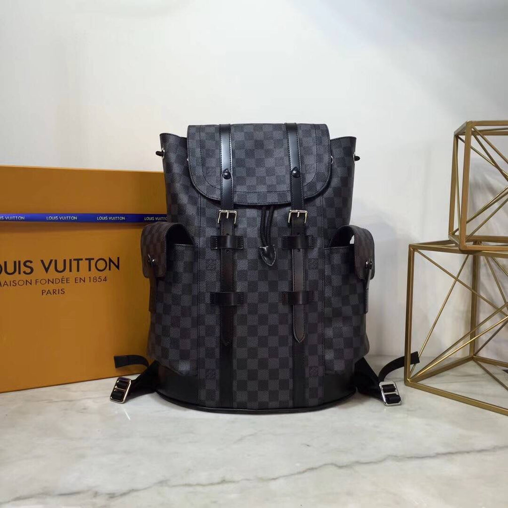 Mochila Louis Vuitton Christopher - Loja Must Have