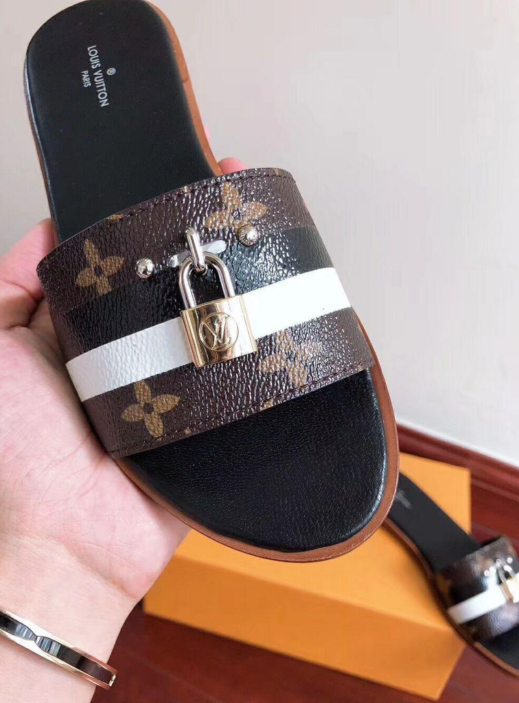 Mule Rasteira Lock It Louis Vuitton