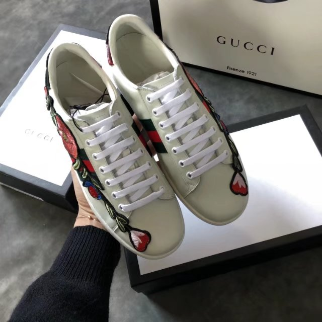 Tênis Gucci Ace Bordado Flores Leather Sneaker - Loja Must Have