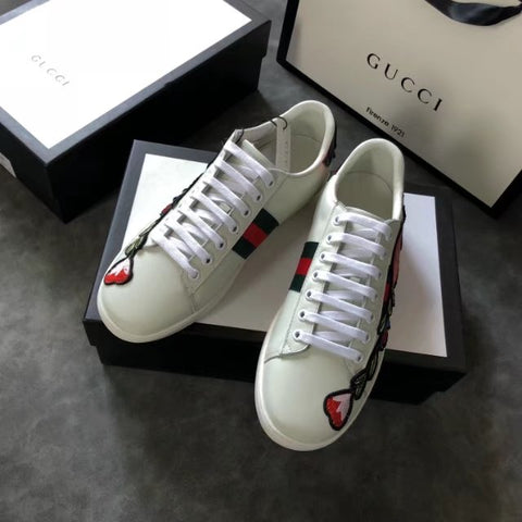 Tênis Gucci Ace Bordado Flores Leather Sneaker