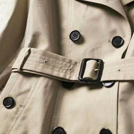 Trench Coat Burberry Curto - Loja Must Have
