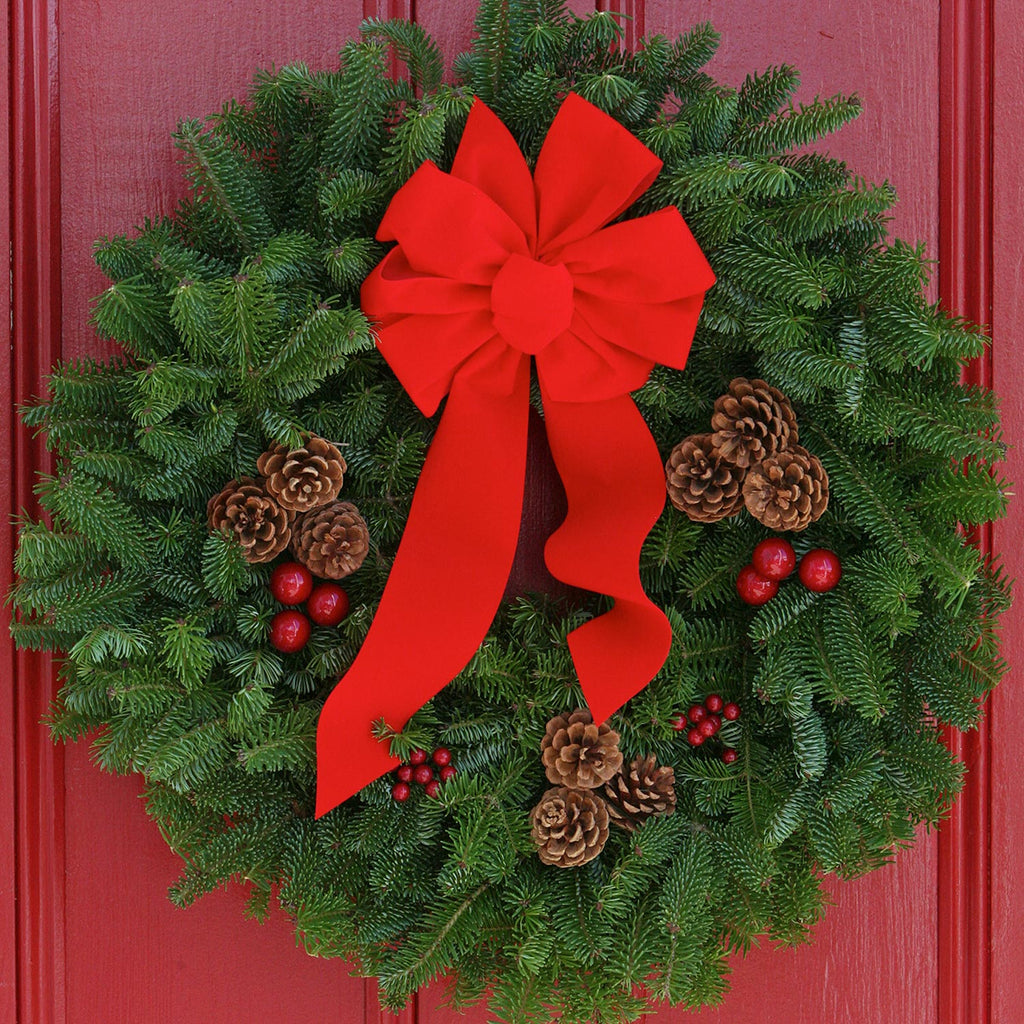 "Christmas Classic 24"" Wreath"