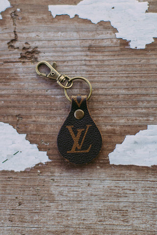 Louis V Simple Keychain