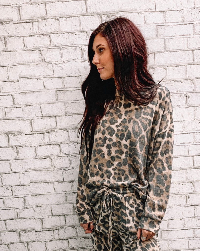 Comfy Leopard Pullover