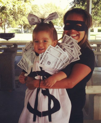 Mother And Baby Halloween Costumes.Halloween Costumes For Pregnant Moms The Whole Gang The Spoiled Mama The Spoiled Mama