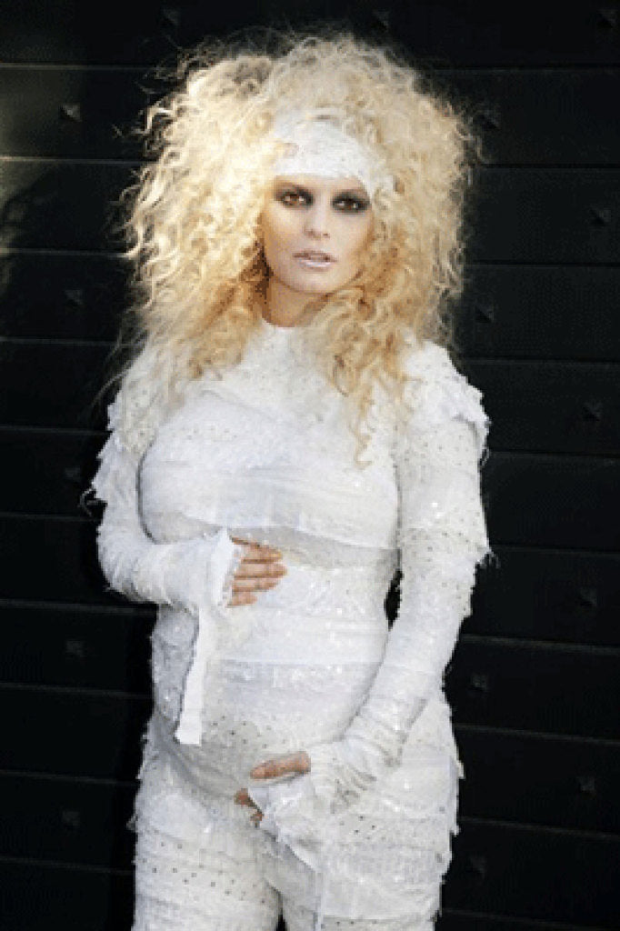 jessica-simpson-pregnancy-halloween-costume-mummy
