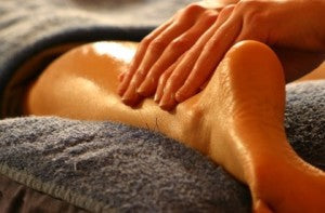 massage-at-home-pregnancy-how-to-scrub