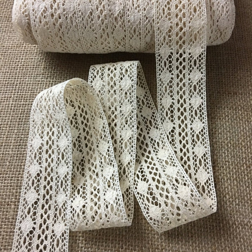 "Fine Cluny Trim Lace Natural Cotton 1.5"" Wide Ivory Yardage Vintage Antique Irish Edging, Multi Use: Garments Arts Crafts Costumes Table Runner DIY Sewing"