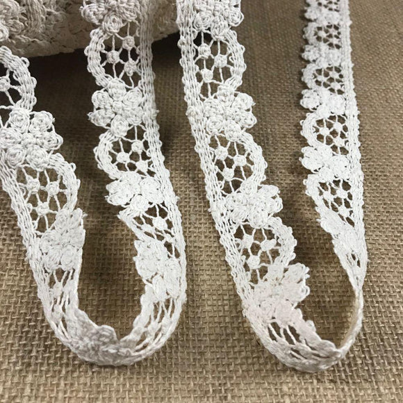 Cluny Trim Lace Daisy Arch design Natural Cotton 1.5