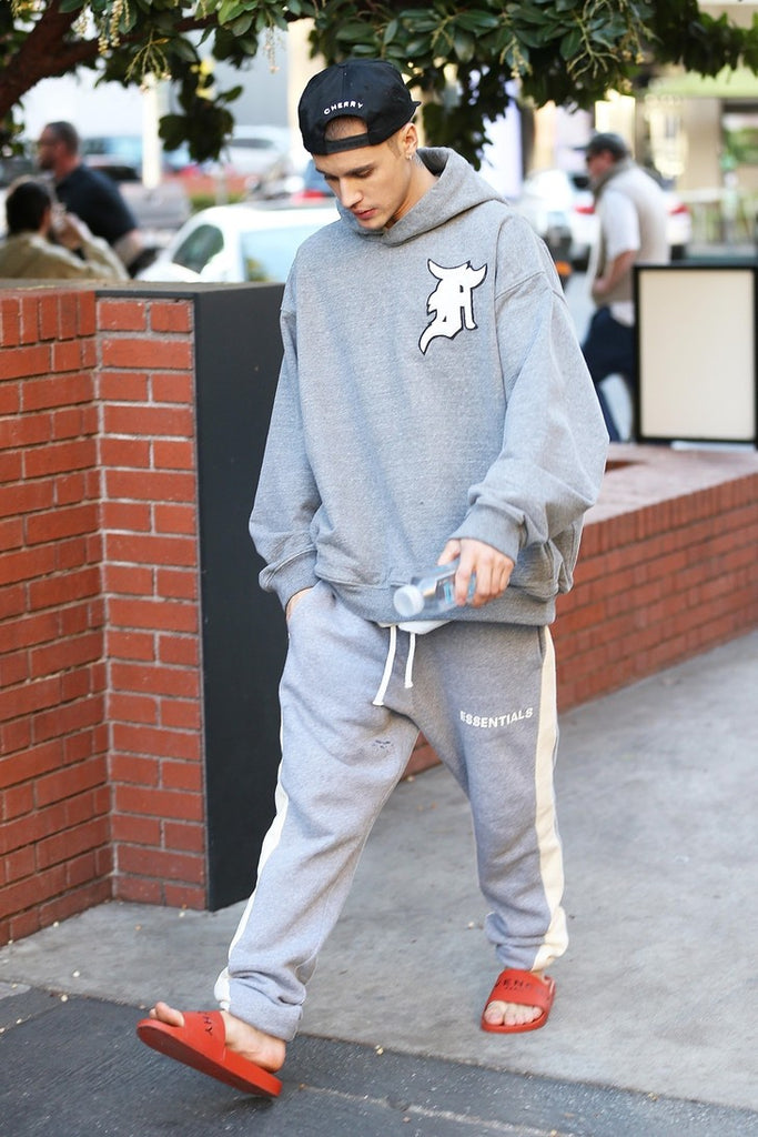 JUSTIN BIEBER OUT & ABOUT | SHOP HIS LOOK HERE