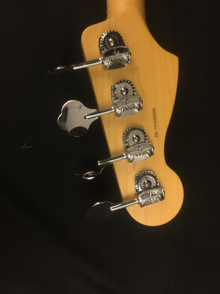 Fender American Elite Precision Bass® Tobacco Sunburst