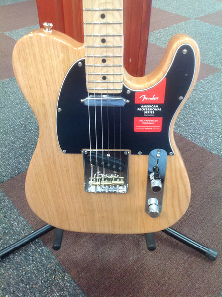 Fender American Pro Telecaster®, Maple Fingerboard, Natural