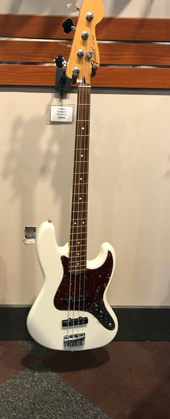 Standard Jazz Bass®, Rosewood Fingerboard, Arctic White