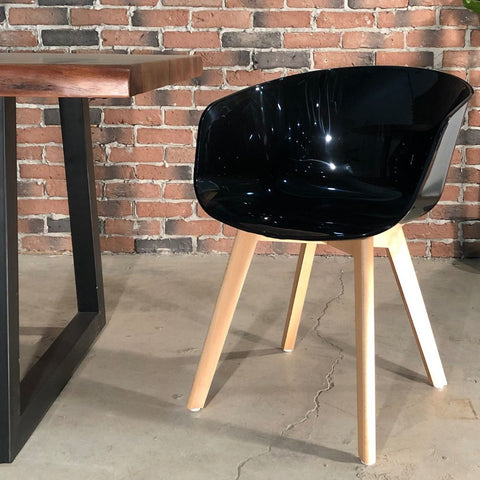 COPEN – Scandinavian Bucket Chair with Wooden Legs/Black - Wazo Furniture