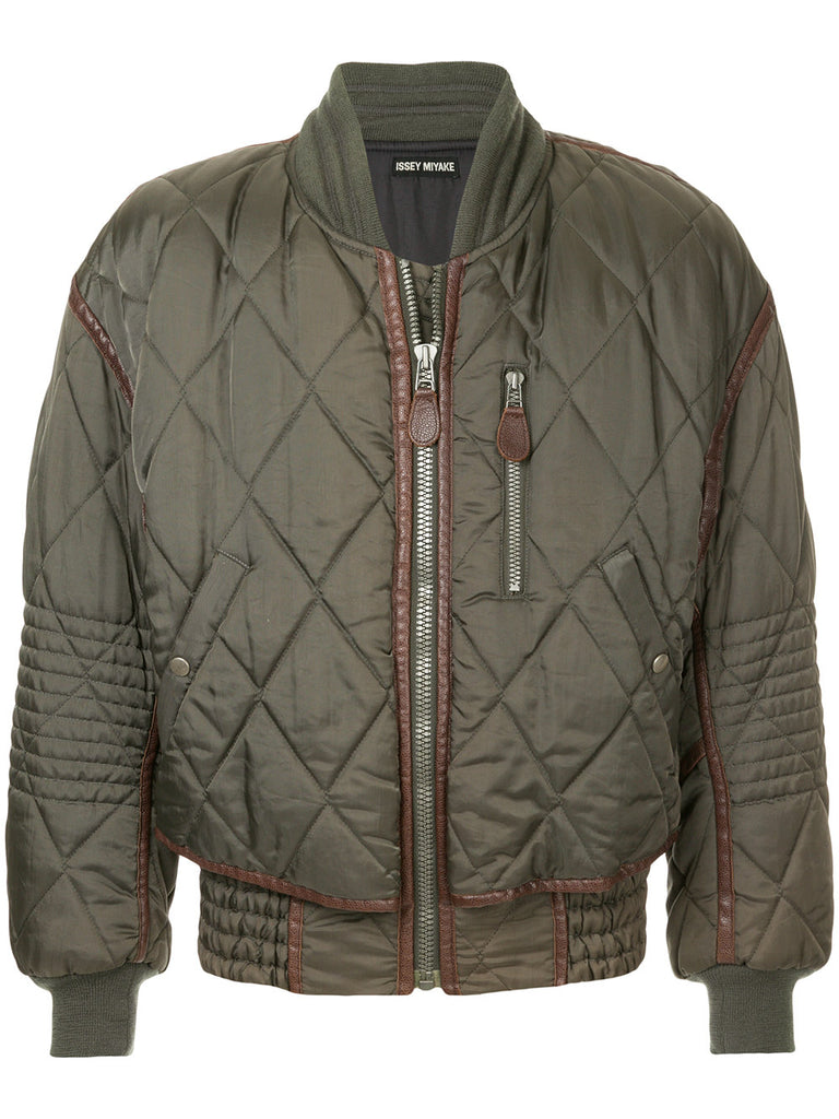 ISSEY MIYAKE contrast-trim quilted bomber jacket