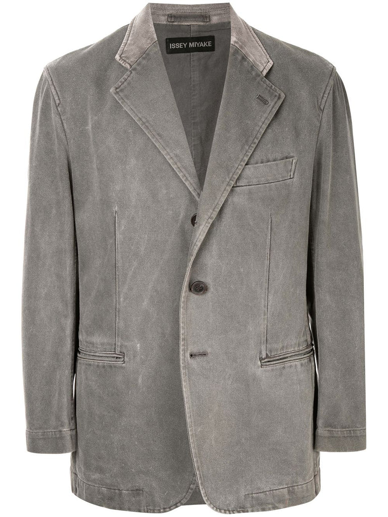 ISSEY MIYAKE notched buttoned jacket