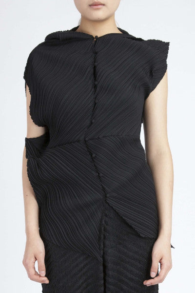 Issey Miyake <br> Zig Zag Pleated Top