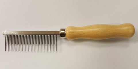 ON SPECIAL - ANIMAL HOUSE SHEDDING COMB - MADE IN ENGLAND (RRP $17)