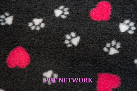 VET BED - RUBBER BACKED - CHARCOAL WITH CERISE HEARTS AND WHITE PAWS - 100 x 75cm only available