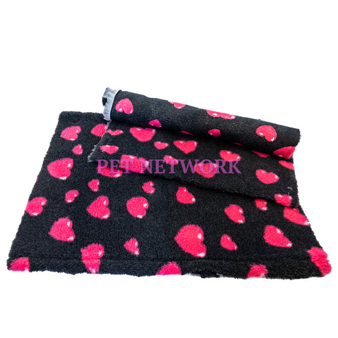 ** NO BACKING ** VET BED - CHARCOAL WITH 3D CERISE HEARTS