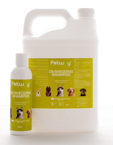 PETWAY PETCARE DE-SHEDDING SHAMPOO - AVAILABLE IN TWO SIZES (WH)