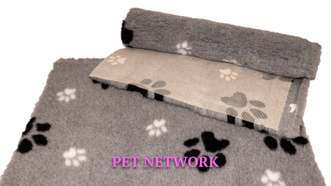 VET BED - RUBBER BACKED - GREY WITH BLACK AND WHITE PAWS