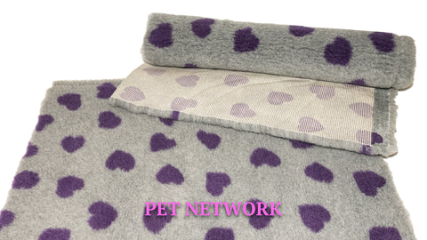 VET BED - RUBBER BACKED - GREY WITH PURPLE HEARTS