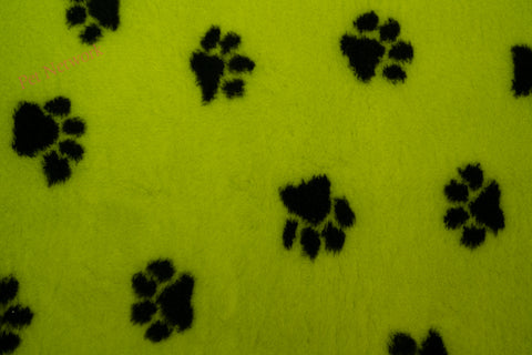 VET BED - RUBBER BACKED - LIME WITH BLACK PAWS