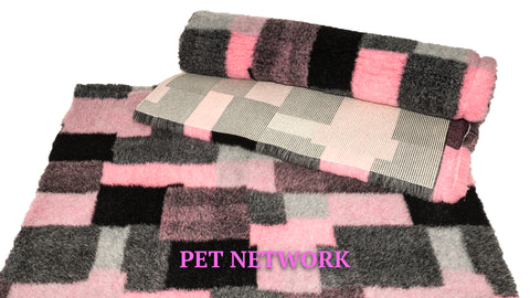 VET BED - RUBBER BACKED - PINK, GREY AND BLACK RECTANGLES